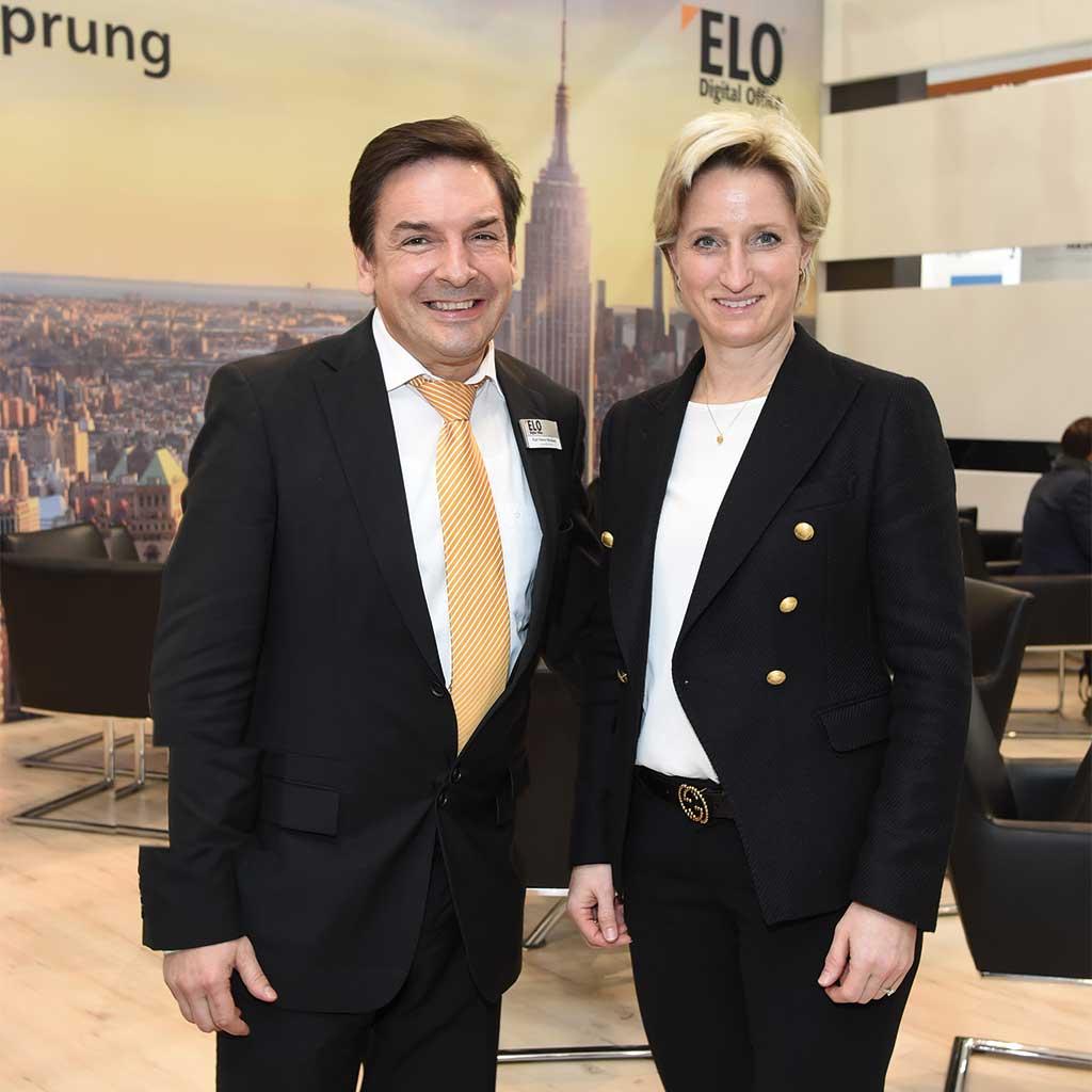 Dr. Nicole Hoffmeister-Kraut, Landesministerin für Wirtschaft, Arbeit und Wohnungsbau, zu Besuch am ELO Messestand auf der CeBIT in Hannover