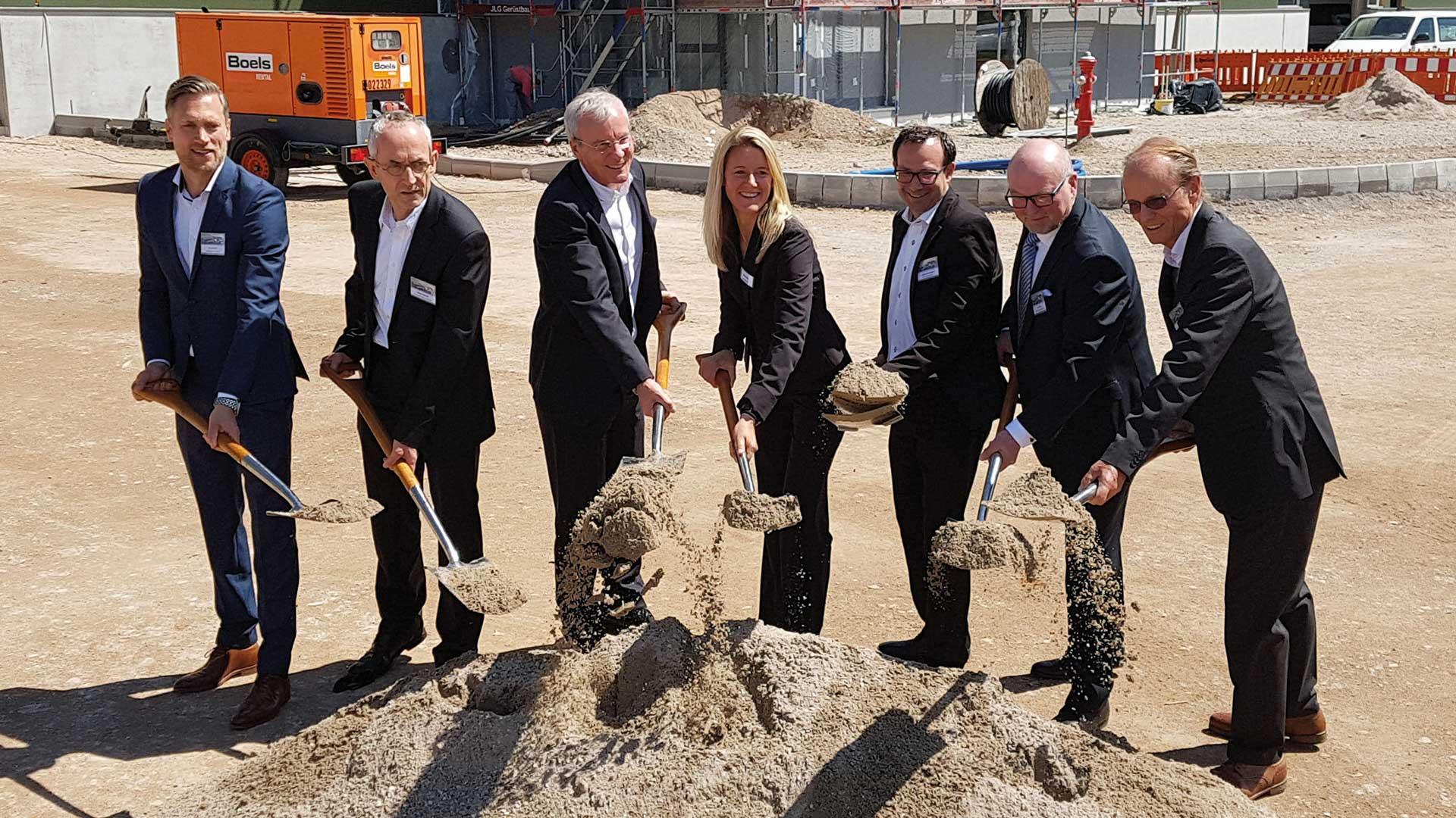 Symbolischer Spatenstich Neubau greenfield Multiuser-Gewerbepark Esslingen